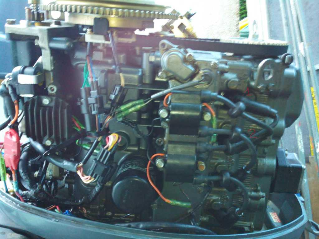 les forums essence dans l 39 huile sur mon moteur yamaha 50cv 4 2 3. Black Bedroom Furniture Sets. Home Design Ideas