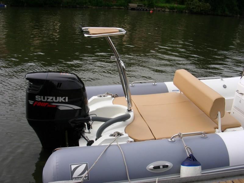 mat ski nautique zodiac moteur bateau occasion. Black Bedroom Furniture Sets. Home Design Ideas
