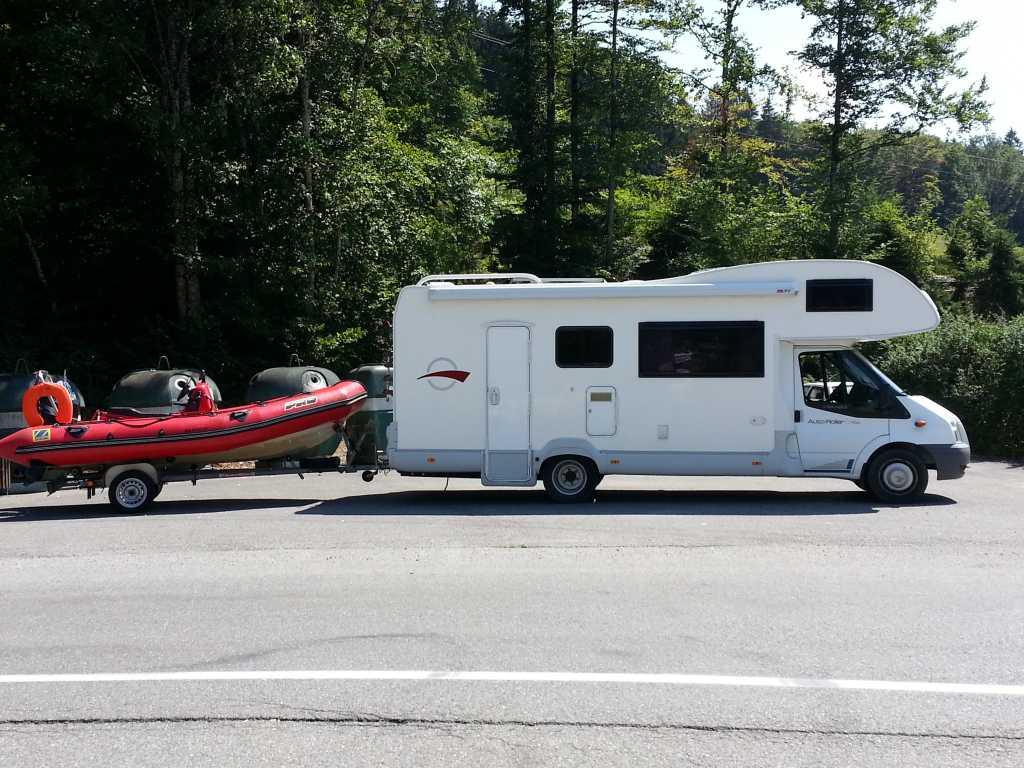 les forums tracter avec un camping car 1 1. Black Bedroom Furniture Sets. Home Design Ideas