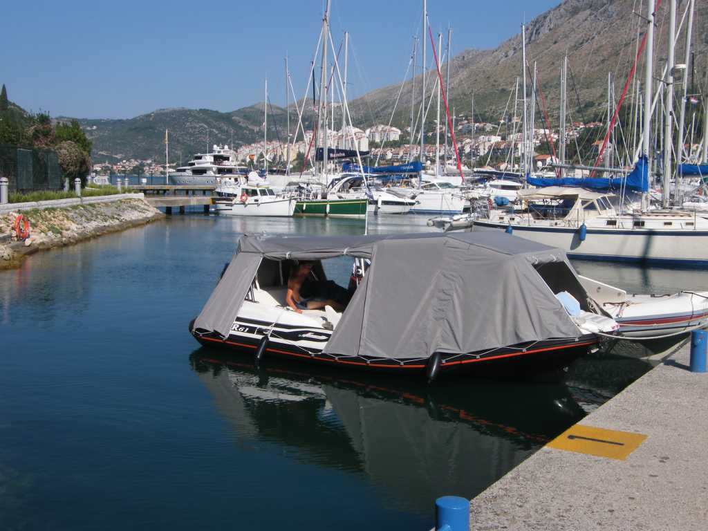 taud de camping pour bateau semi rigide. Black Bedroom Furniture Sets. Home Design Ideas